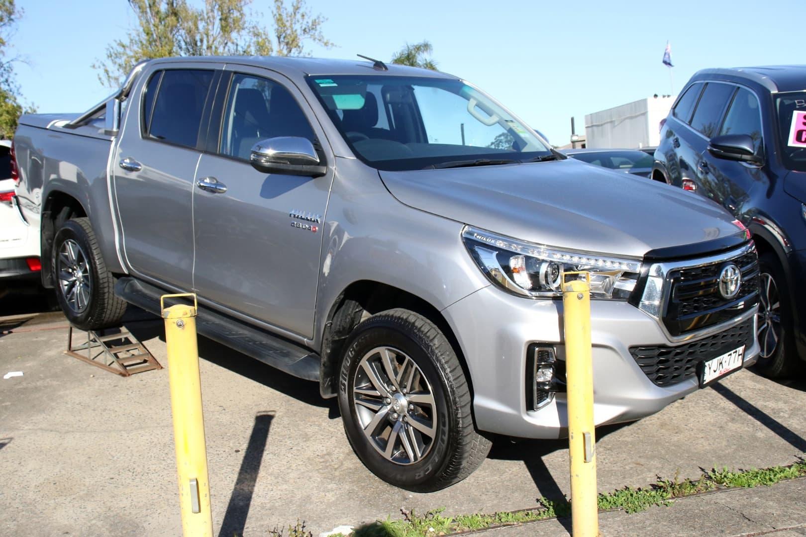 2019 Toyota Hilux SR5 Auto 4x4 Double Cab - image 1