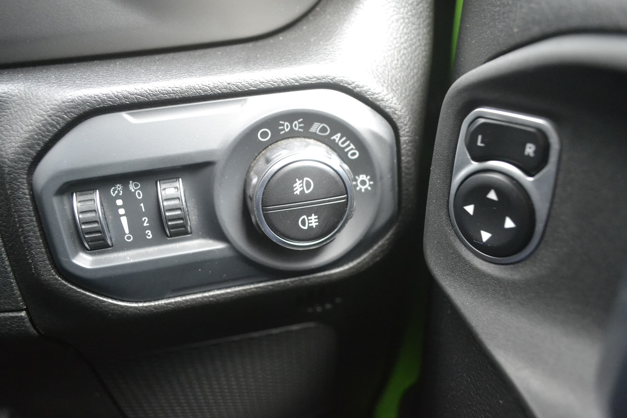2019 Jeep Wrangler Unlimited Sport S Auto 4x4 MY19 - image 12