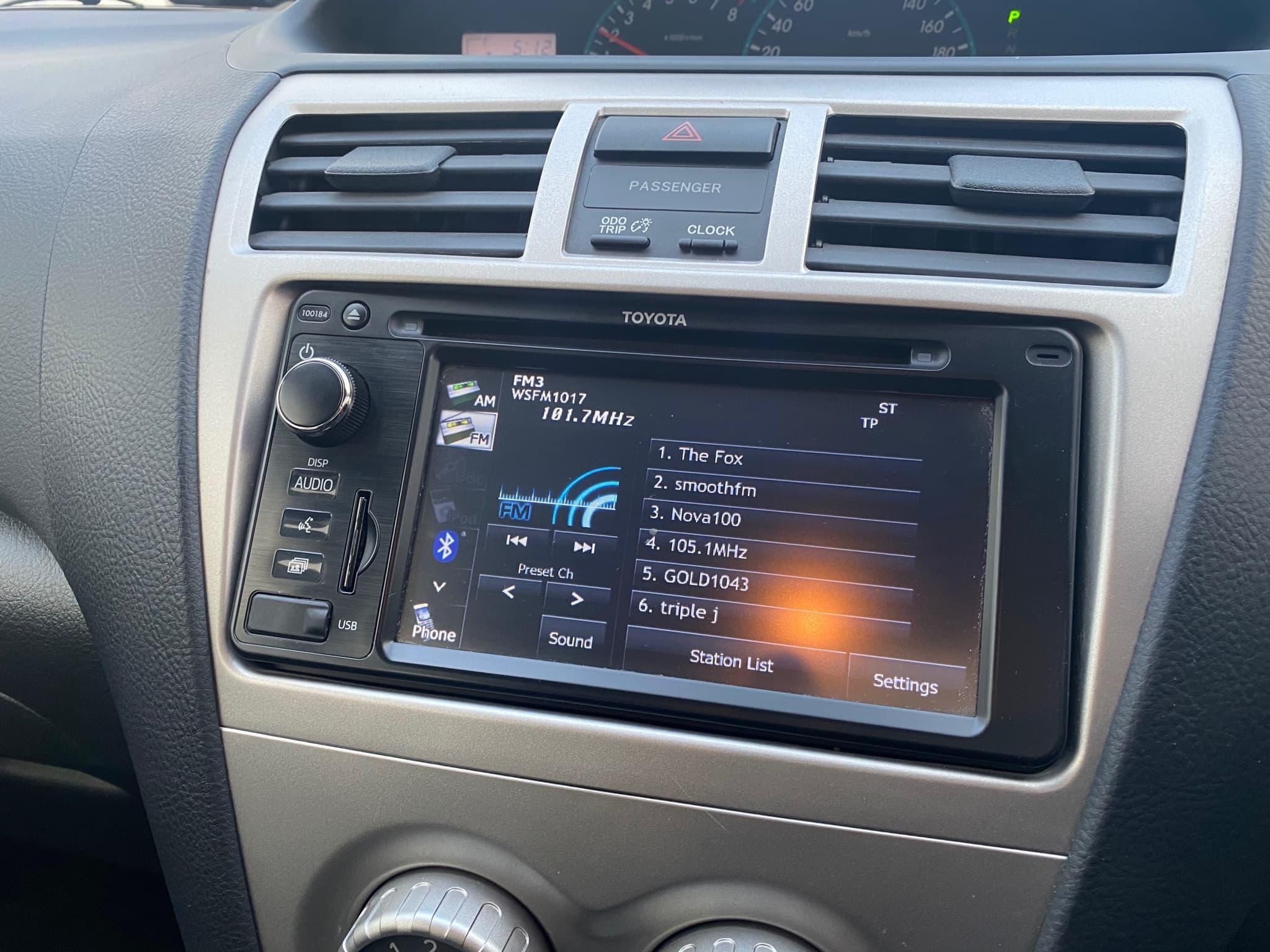 2016 Toyota Yaris YRS Auto - image 14