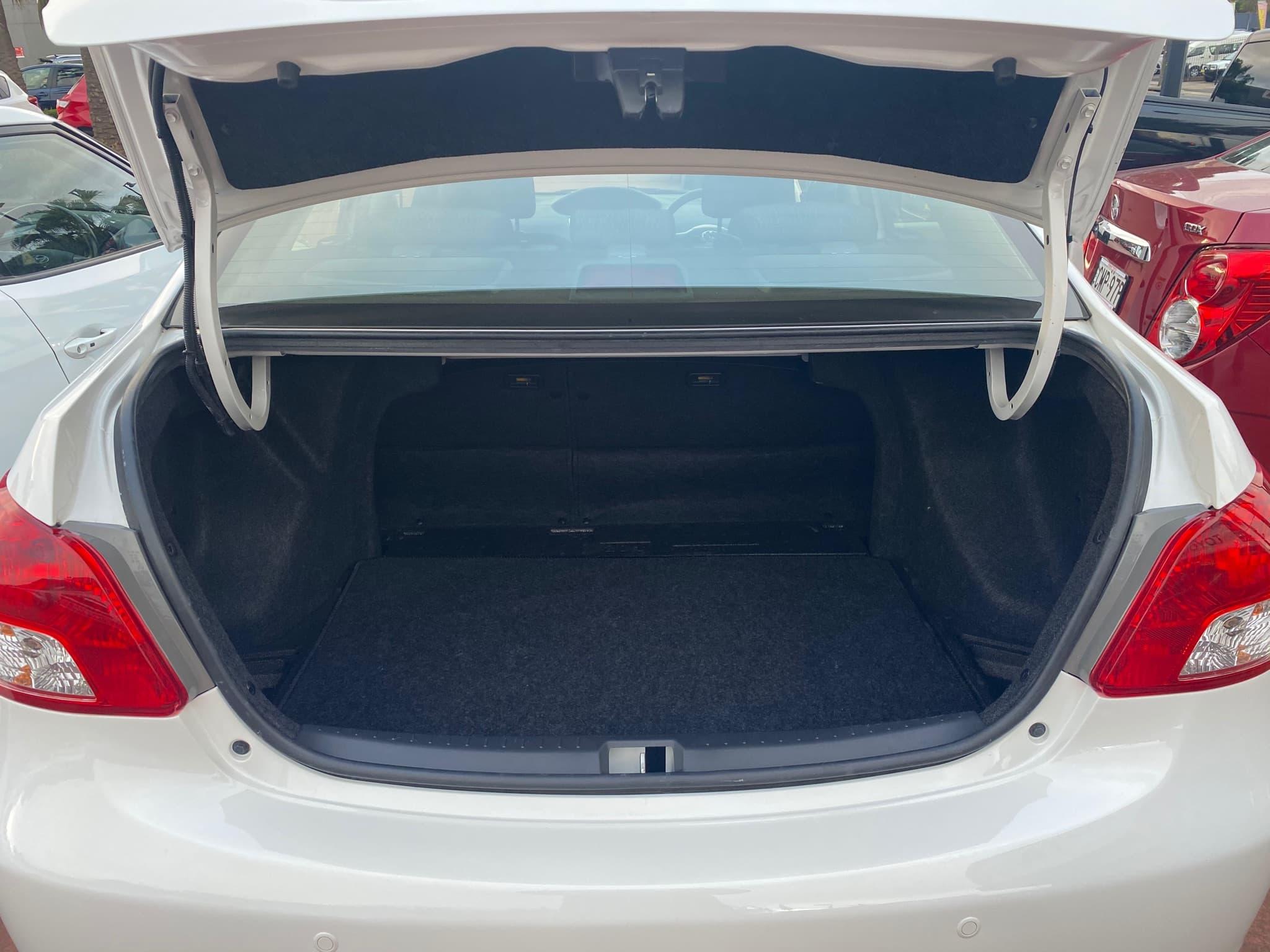 2016 Toyota Yaris YRS Auto - image 8