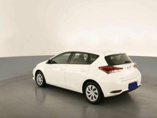 2018 Toyota Corolla Ascent ZRE182R 5-Door Hatchback  - image 7