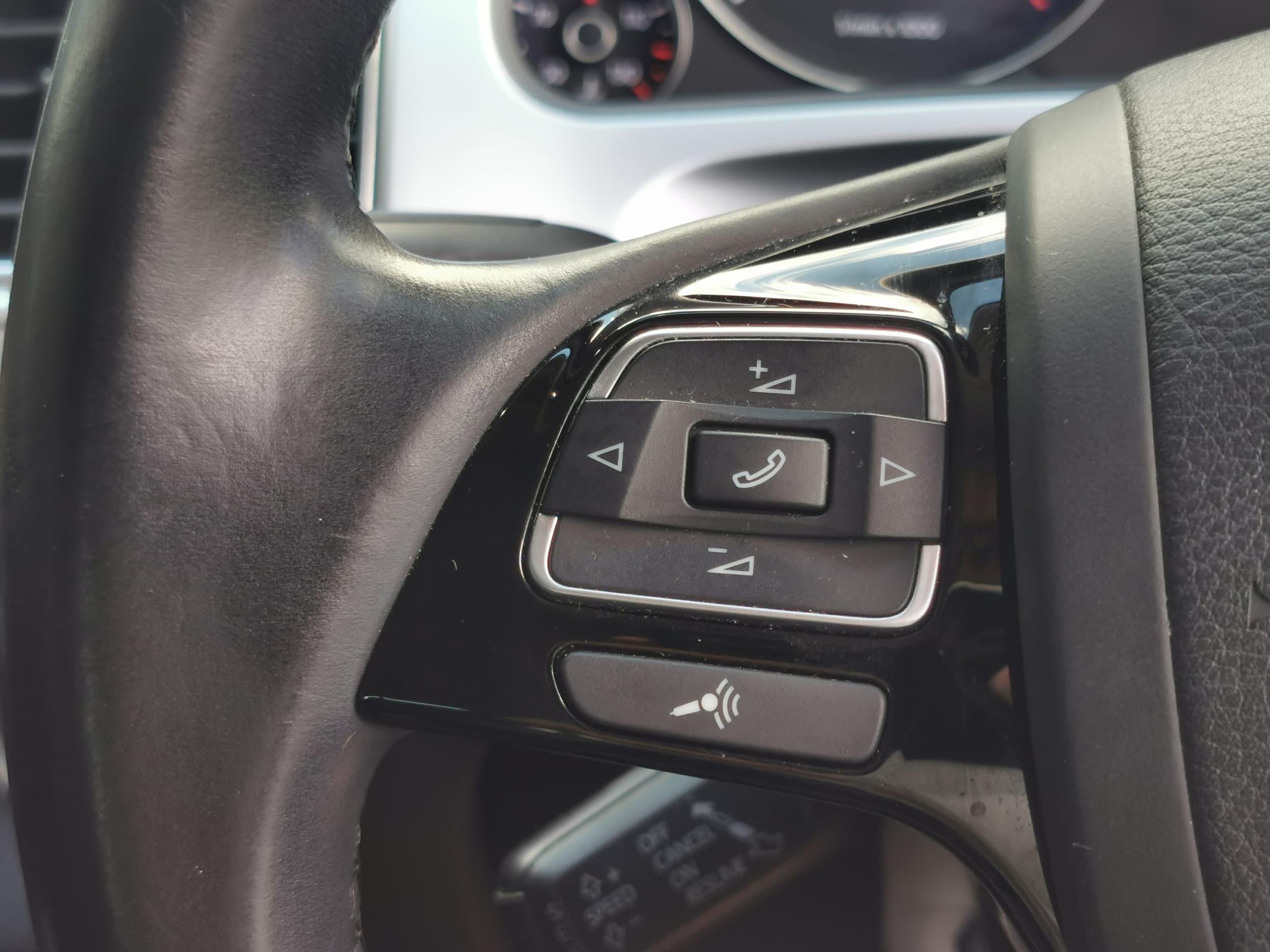 2015 Volkswagen Touareg V6 TDI 7P Auto 4MOTION MY16 - image 11