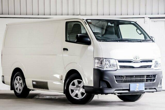 Carbar-2013-Toyota-Hiace-869920181012-100505.jpg
