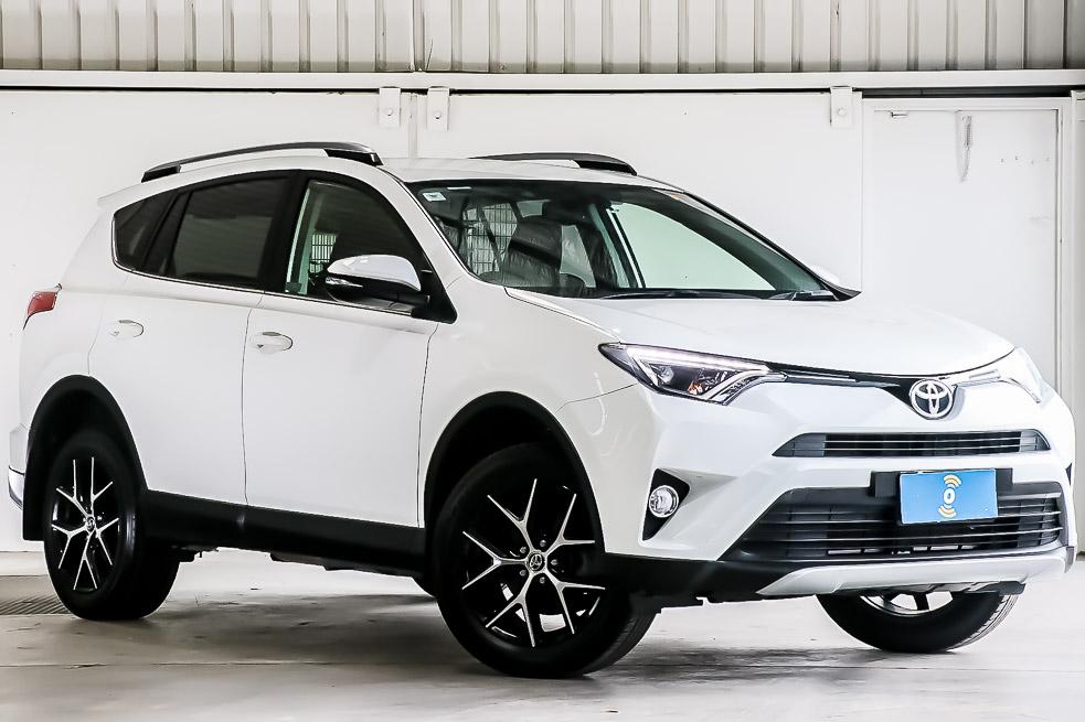 Carbar-2017-Toyota-RAV4-619920190118-152111.jpg