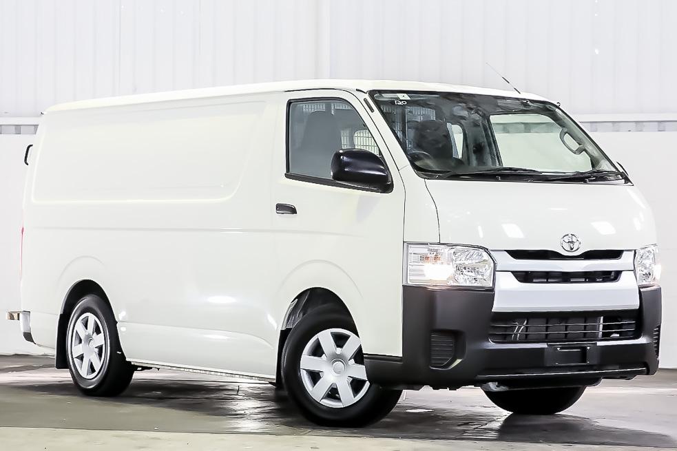 Carbar-2017-Toyota-Hiace-903620190323-161214.jpg