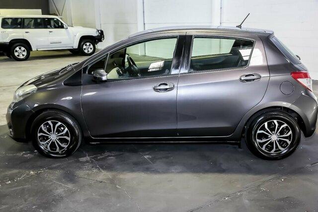 2012 toyota yaris 5 door hatchback