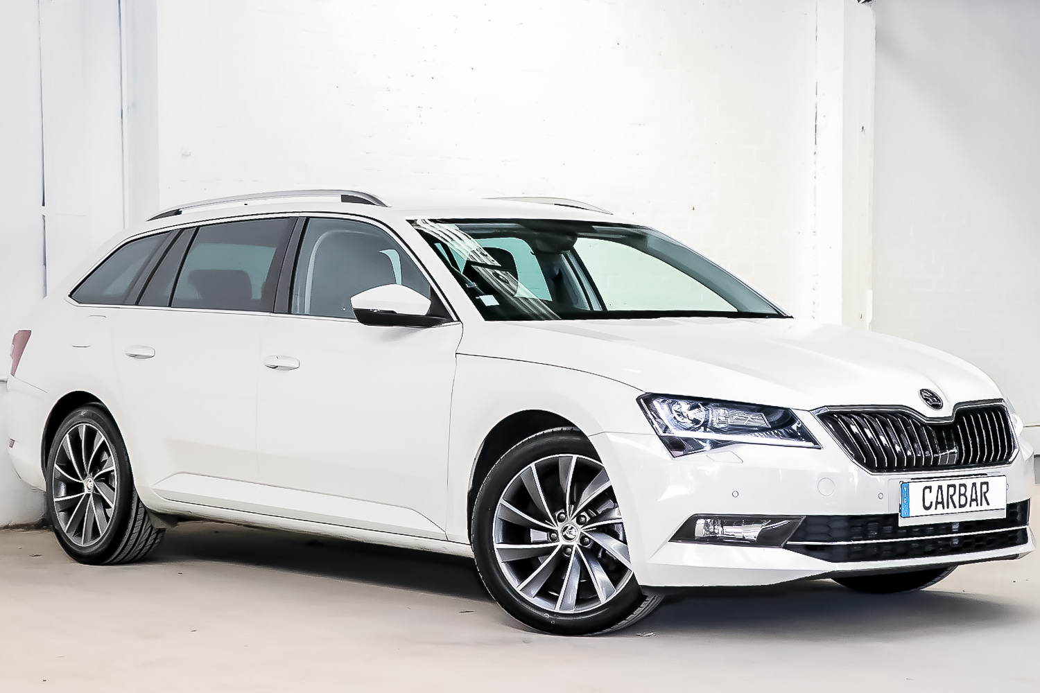 Carbar-2017-SKODA-Superb-343720190415-152402.jpg