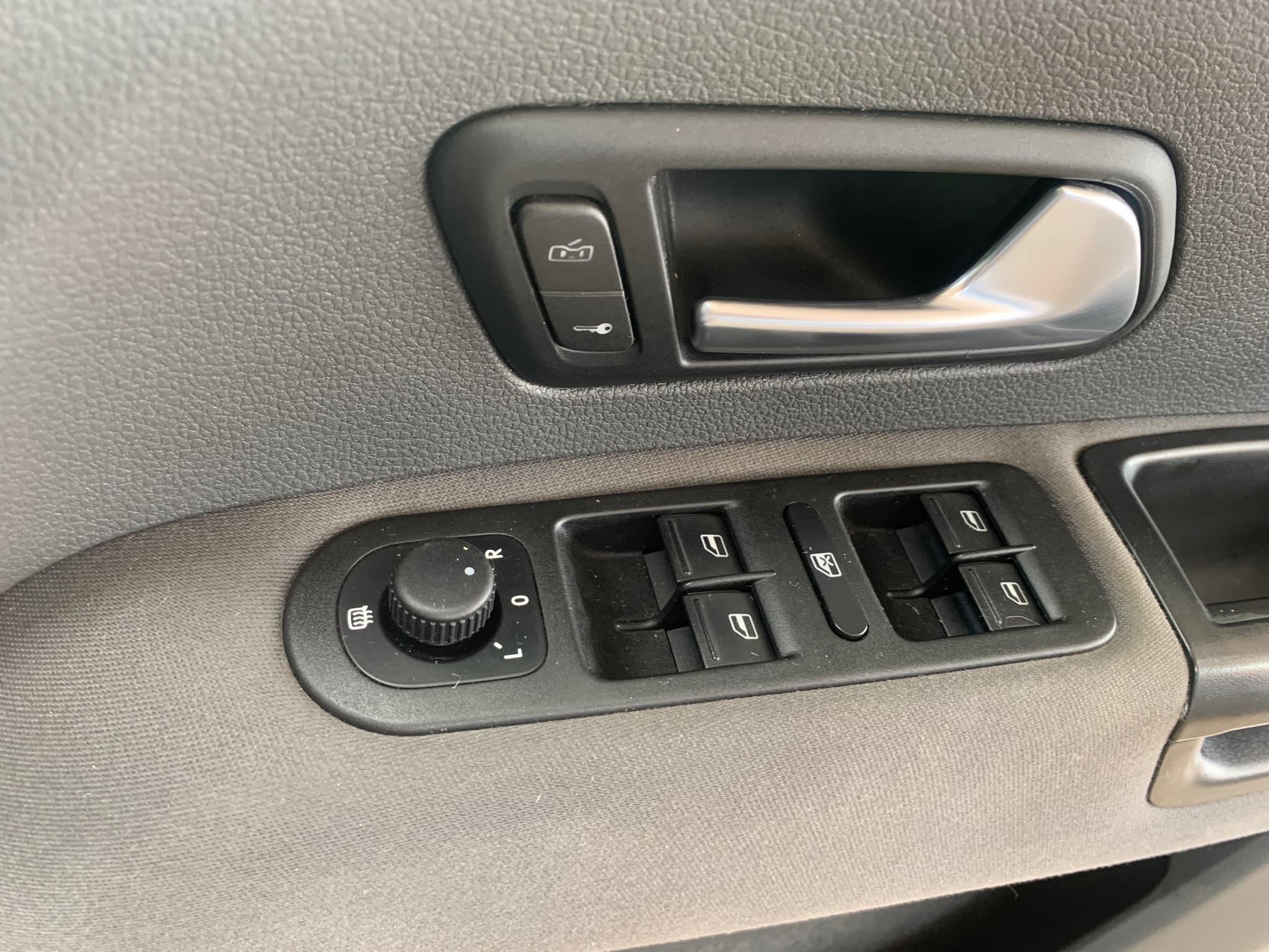 2015 Volkswagen Amarok TDI420 Trendline 2H Auto 4MOTION Perm MY16 Dual Cab - image 21