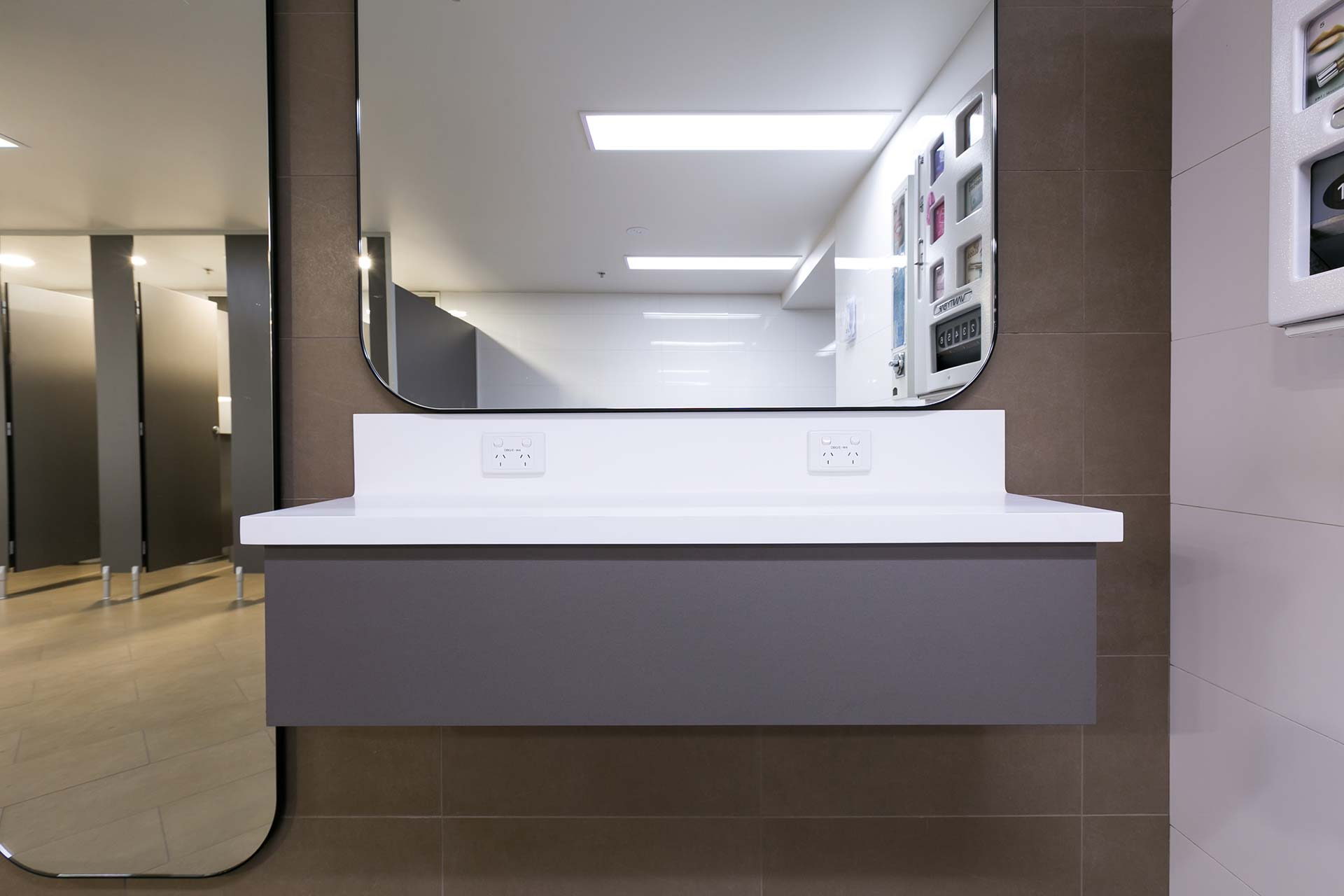 Corian Bathroom BenchT4 Perth Airport (1)