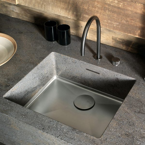 Corian® Sparkling 024 integrated sink