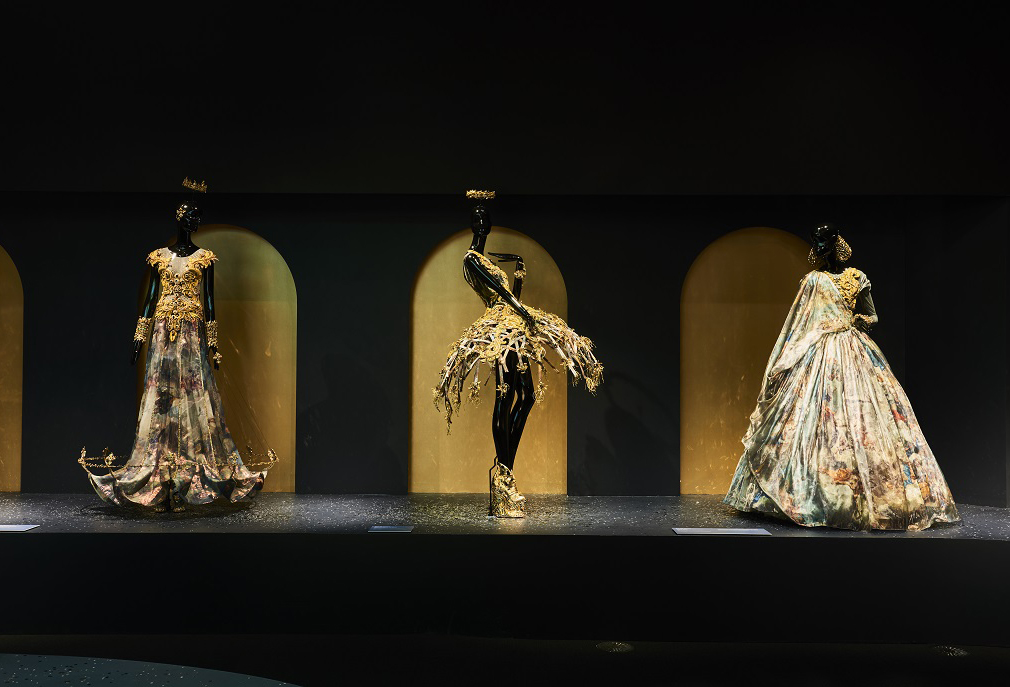 Installation view of Guo Pei's Legend collection, spring-summer 2017 on display at NGV Triennial at NGV International, 2017, Photo: Tim O'Connor