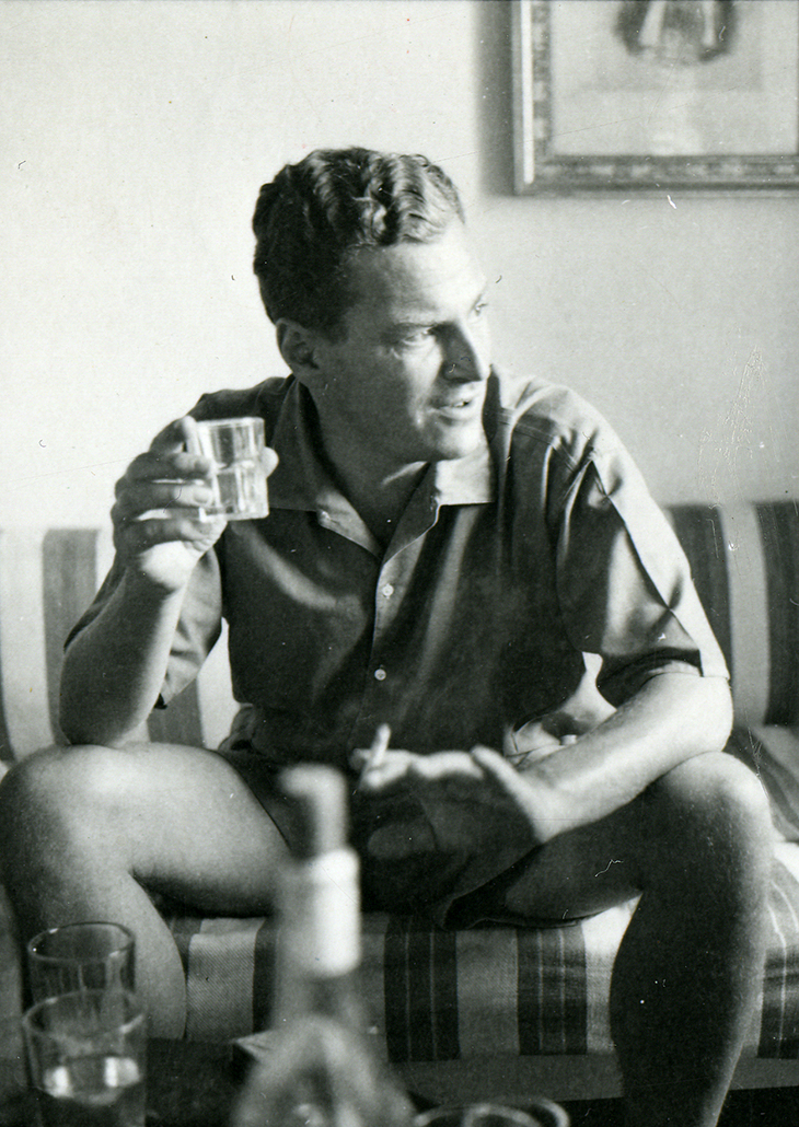 Patrick Leigh Fermor at Ghika's house in Hydra in 1955. Benaki Museum – Photographic Archive, Athens. © Benaki Museum 2018