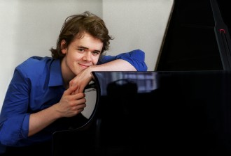 BENJAMIN GROSVENOR 1    YAMAHA CFX    LAURIE LEWIS