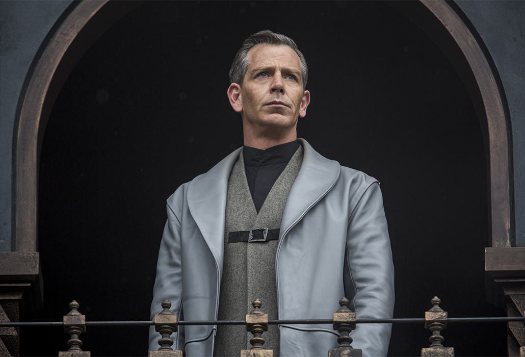 Ben Mendelsohn stars as 'Sheriff of Nottingham' in Robin Hood. Photo by: Larry Horricks.