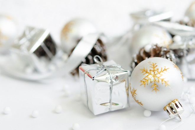 Christmas Gifts vs Experiences List – by Carolyn McDowall