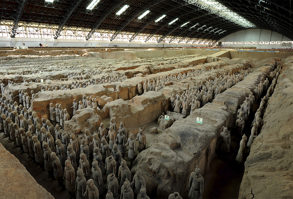 CHINESE: The terracotta army Qin dynasty (221-206 BCE) (detail) Earthenware (terracotta) Emperor Qin Shihuang's Mausoleum, Xi'an
