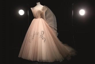 Christian Dior by Maria Grazia Chiuri (b. 1964), Dress, Haute Couture, Spring/Summer 2018 Photo © Laziz Hamani Dior Héritage collection, Paris