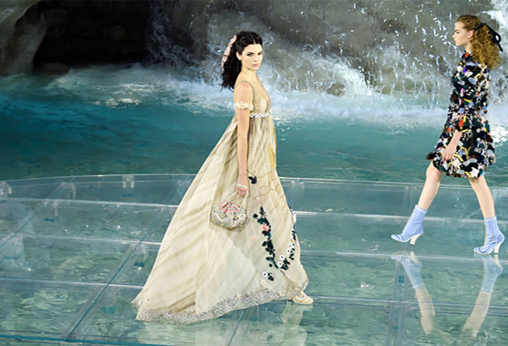 Models walk the runway at Fendi Roma 90 Years Anniversary fashion show at Fontana di Trevi on July 7, 2016 in Rome, Italy.  (Photo by Victor Boyko/Getty Images )