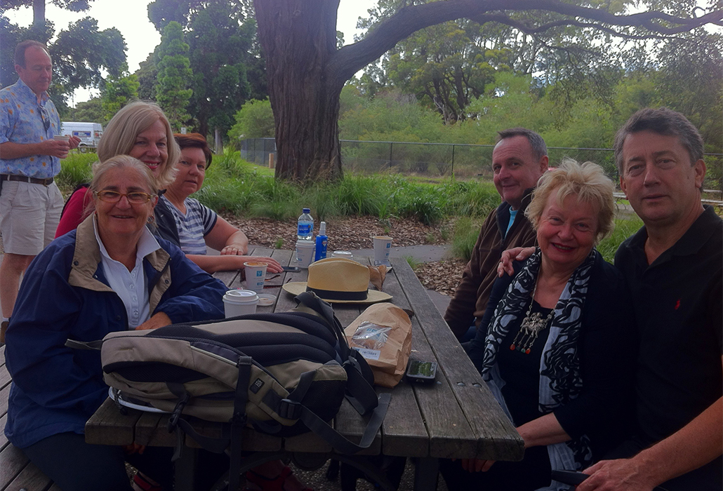 Breakfasting with the regulars, Centennial Park, Sydney 2014