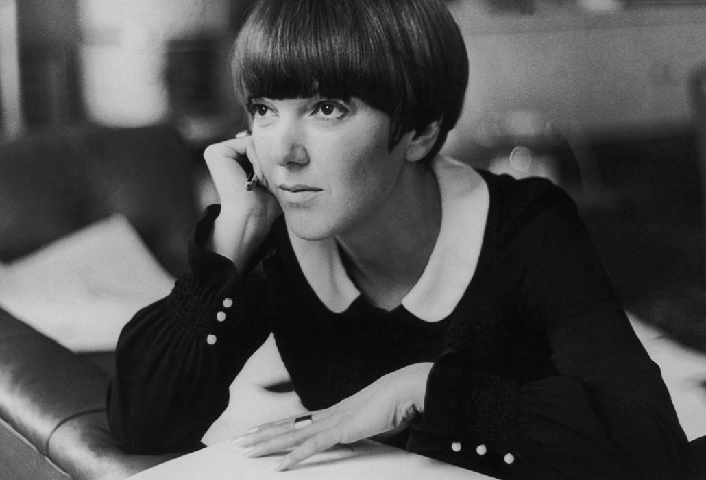 Detail: Mary Quant at her apartment in Draycott Place, Chelsea, London, c.1965 © Keystone-France/Gamma-Keystone/Getty Images