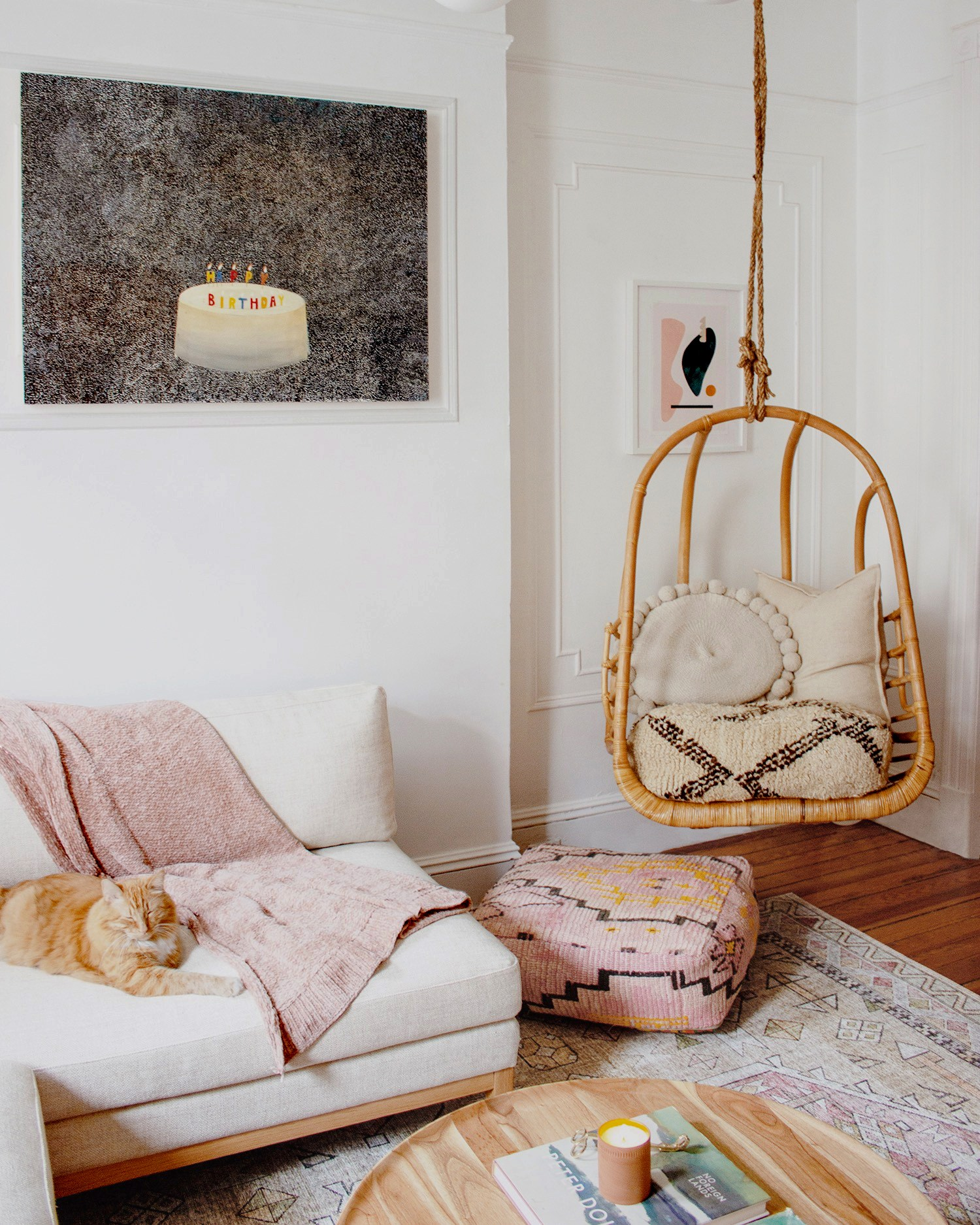 The gorgeous textiles that can be found in every room are carefully selected art pieces themselves, all selected by Mallory from @reserve_home.