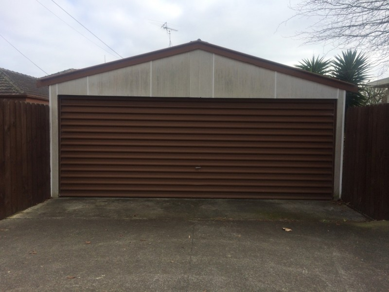 Garage space for rent in