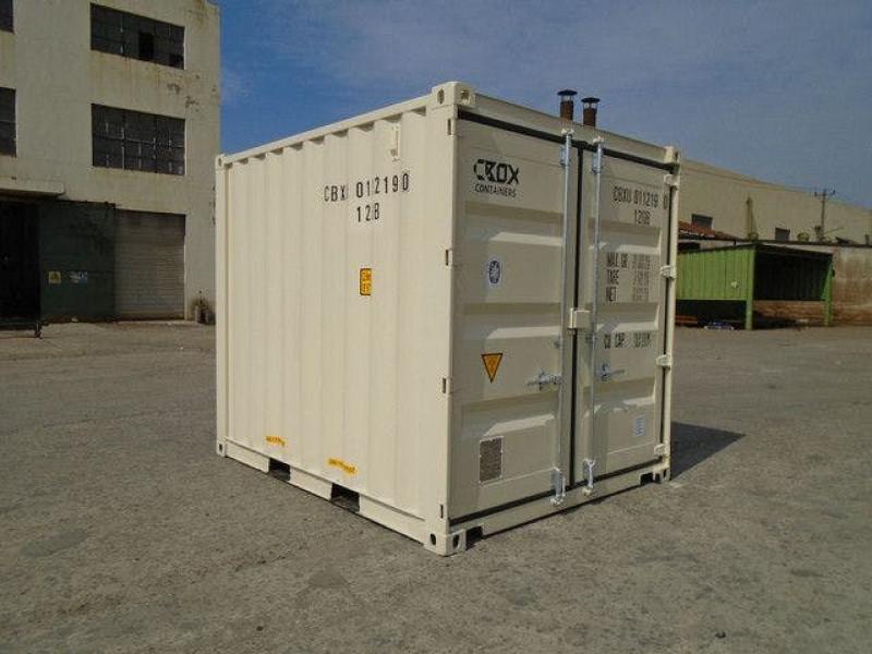 3.05m x 2.44m x 2.59m (10 ft container)