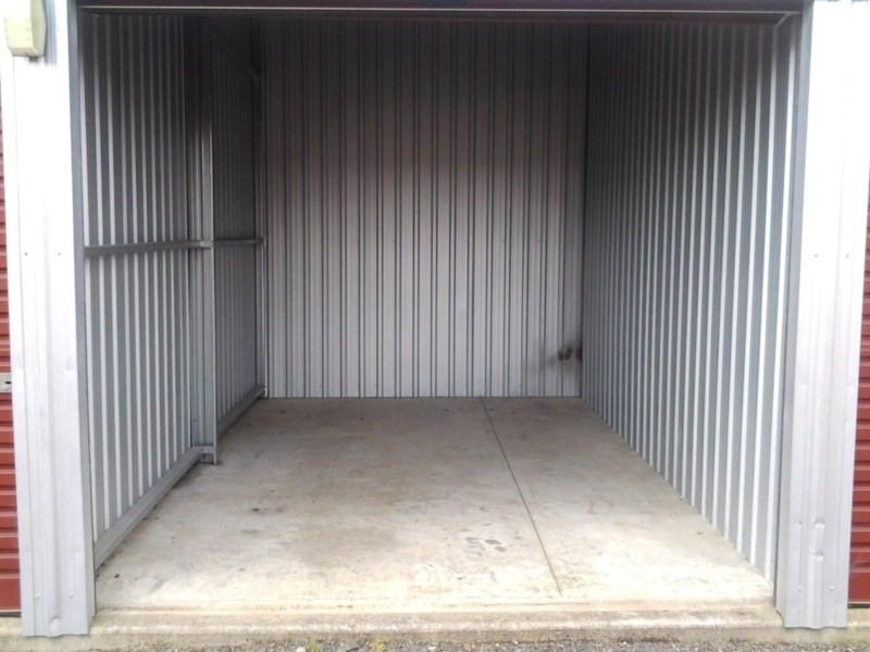 6m x 3m x 2.4m container