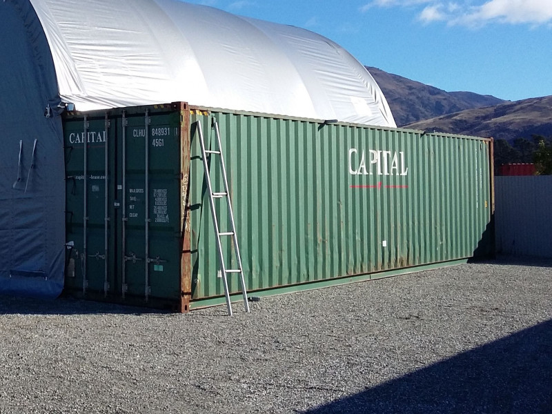 12.05m x 2.35m x 2.35m (40 ft container)