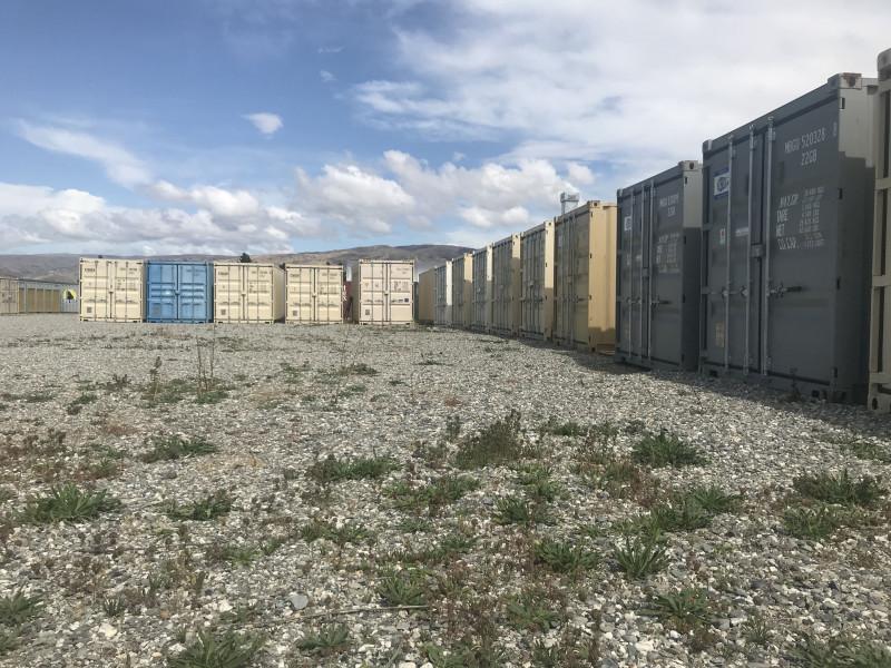 5.89m x 2.35m x 2.35m (20 ft container)