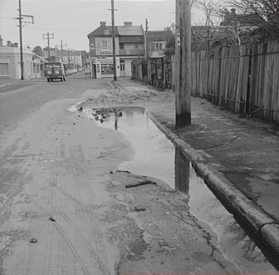 Gladstone St 1965 (ArchivePix)
