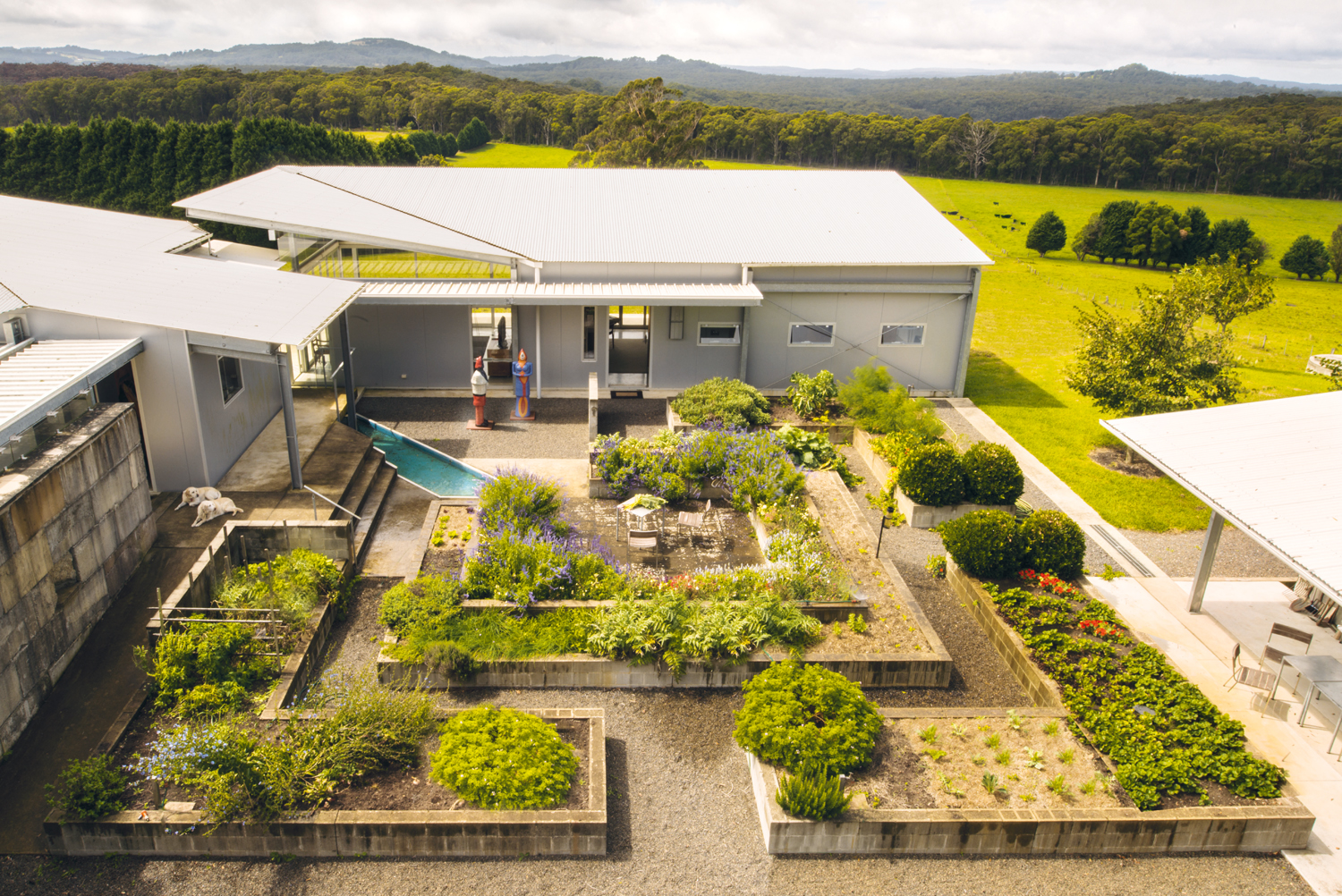 Grand designs australia country grammar completehome Kitchen garden design australia