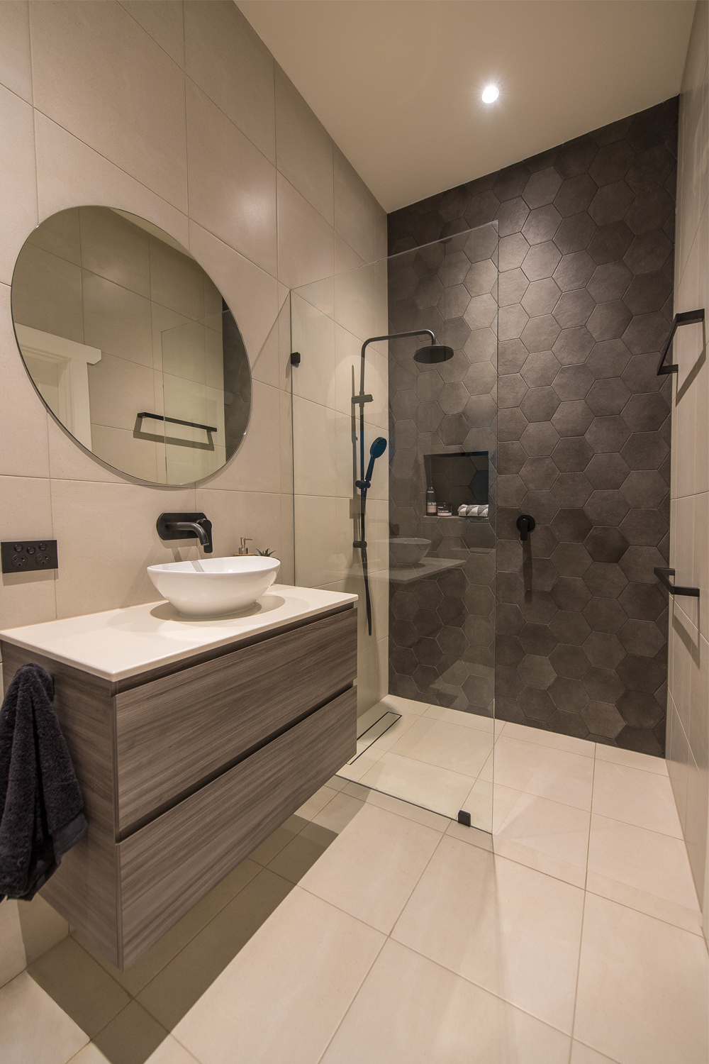 Ensuite project a spacious design completehome for Ensuite bathroom designs