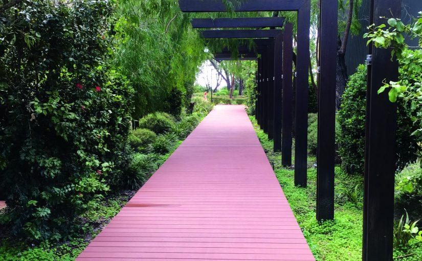 Composite decking: a versatile outdoor option - pink decking outdoor project
