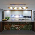 Kitchen chameleon
