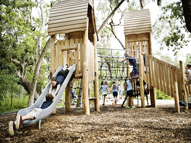 urban play, robinia wood, nature play, nature, natural equipment, play equipment, playground
