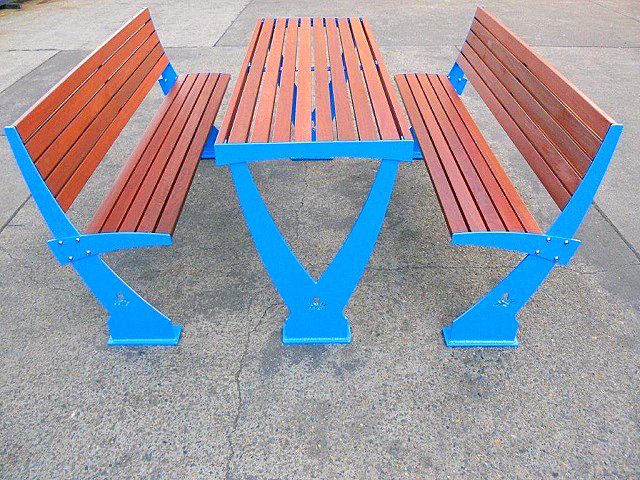 urban play, street furniture, outdoor furniture, benches, tables, picnic setting