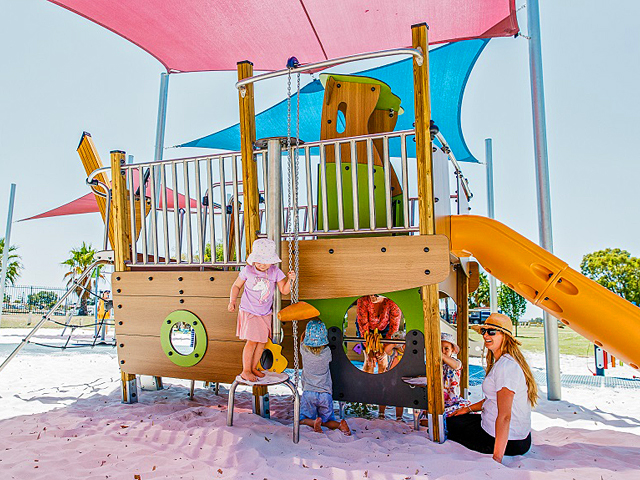 Proludic, Queens Garden, Playground, fishing boat