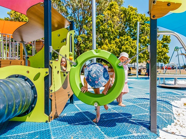 Proludic, Queens Garden, Playground, Elf playhouse, play ring