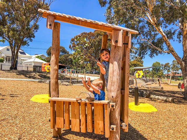 Proludic, Sheils Reserve, themed playground, log house