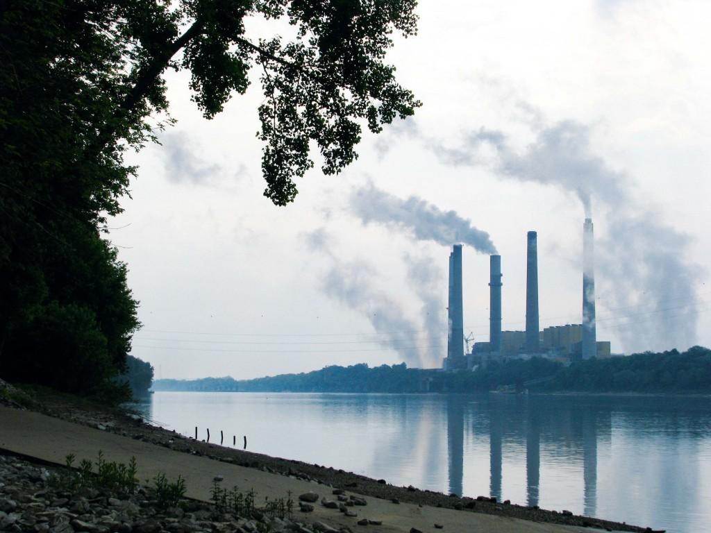 ARR139_McKinnon USA  12 Power station, Ohio River
