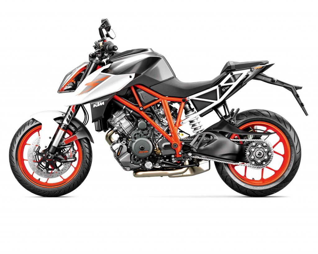 ARR141_-KTM-Super-Duke-R-6-KTM-1290-SUPER-DUKE-R-MY17-orange_90-le