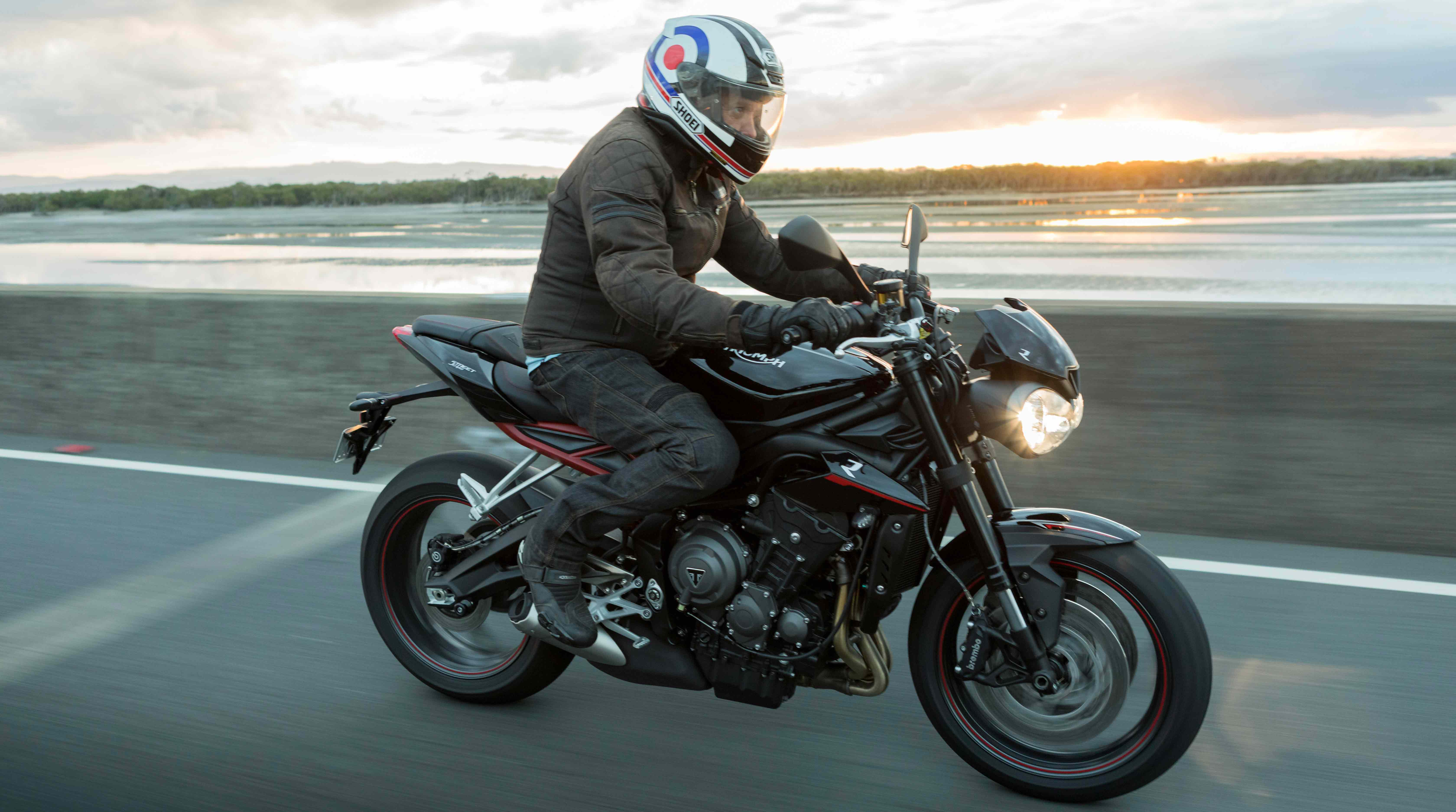 LAUNCH REPORT: TRIUMPH STREET TRIPLE RANGE
