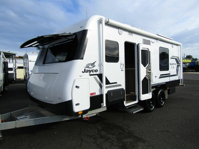 Used Jayco Silverline Outback 21.65-3, Pialba, 2017 Jayco Silverline Outback 21.65-3 Caravan