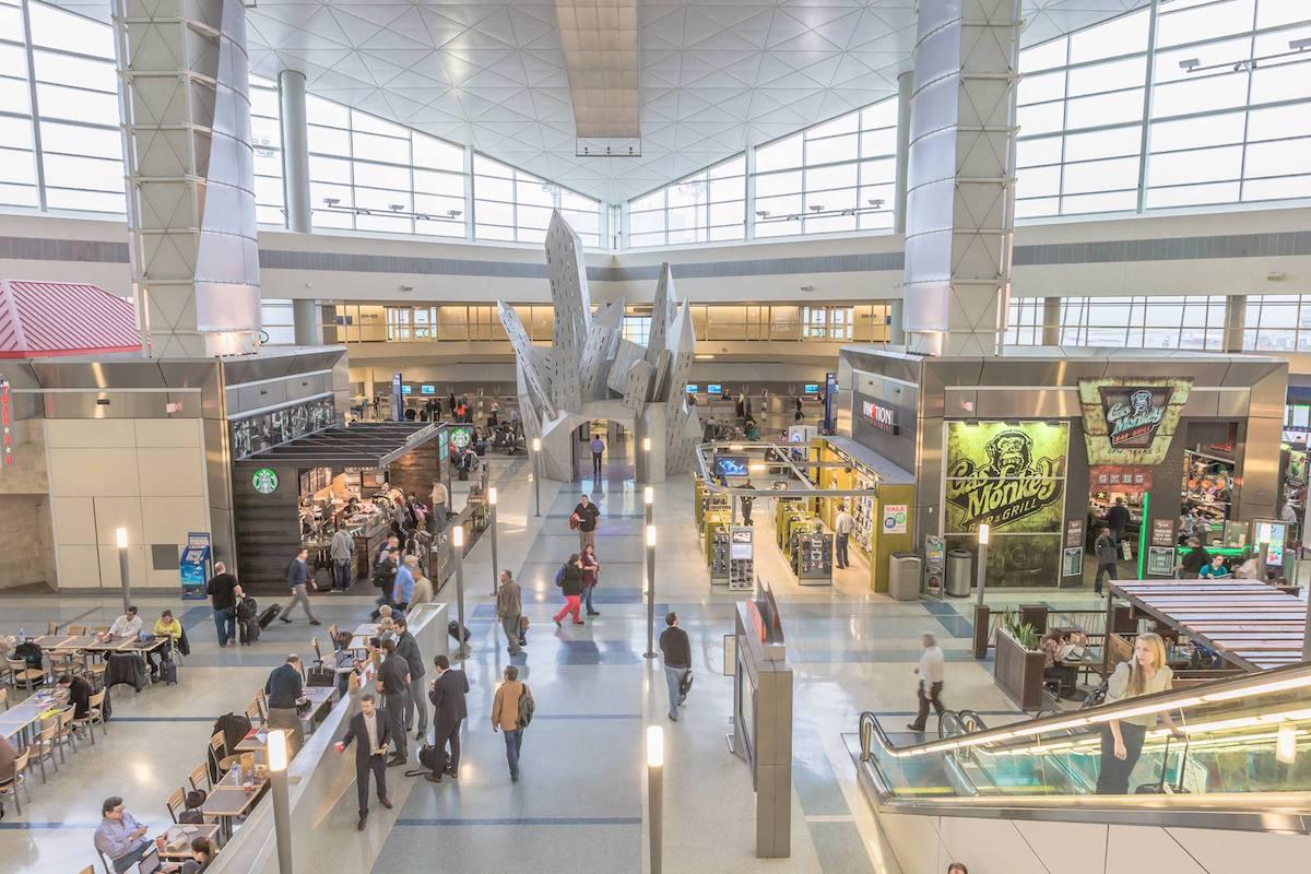 Airport finds 'intelligent windows' improve customer spending