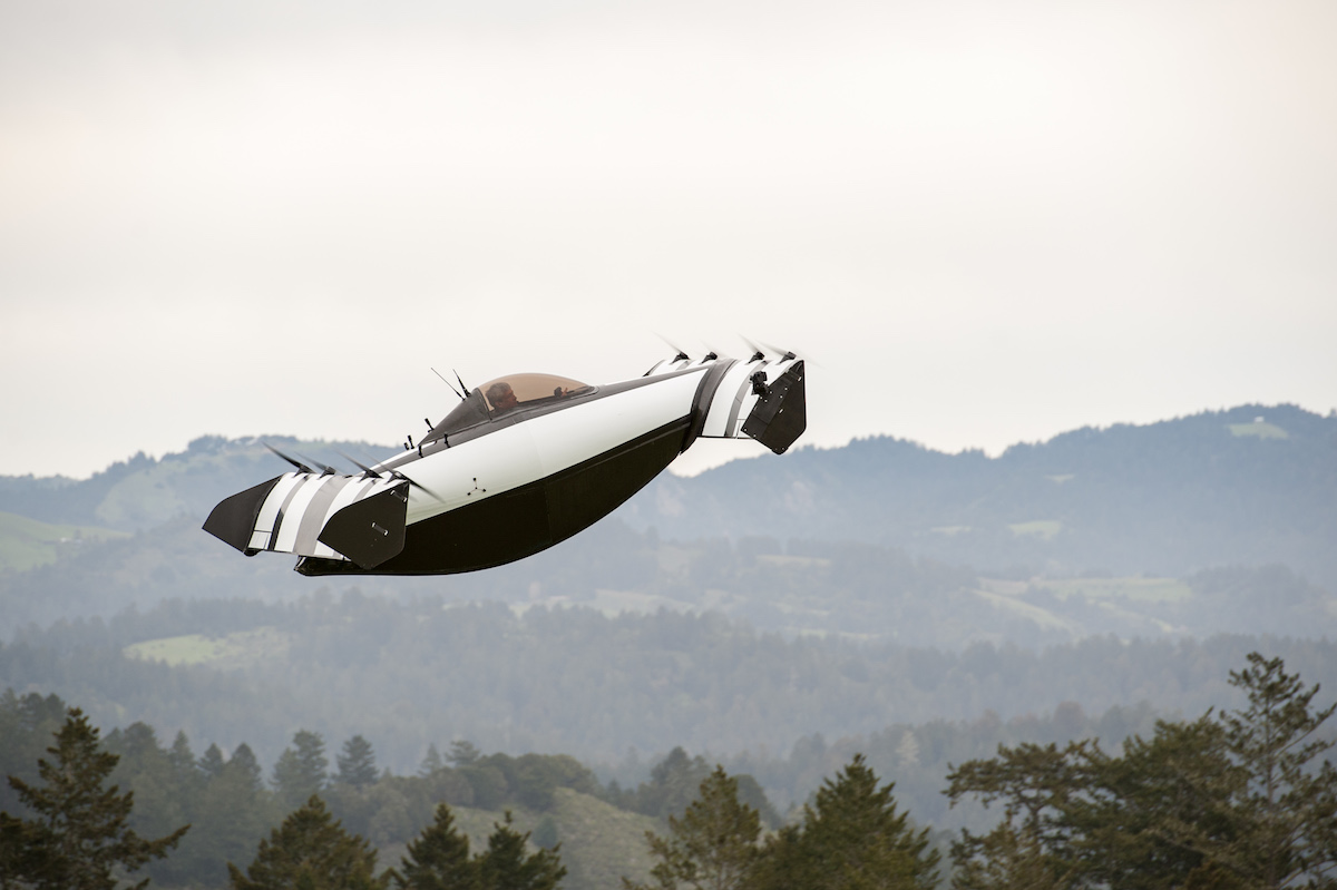 Flying vehicle BlackFly experienced in the sky: photos and videos