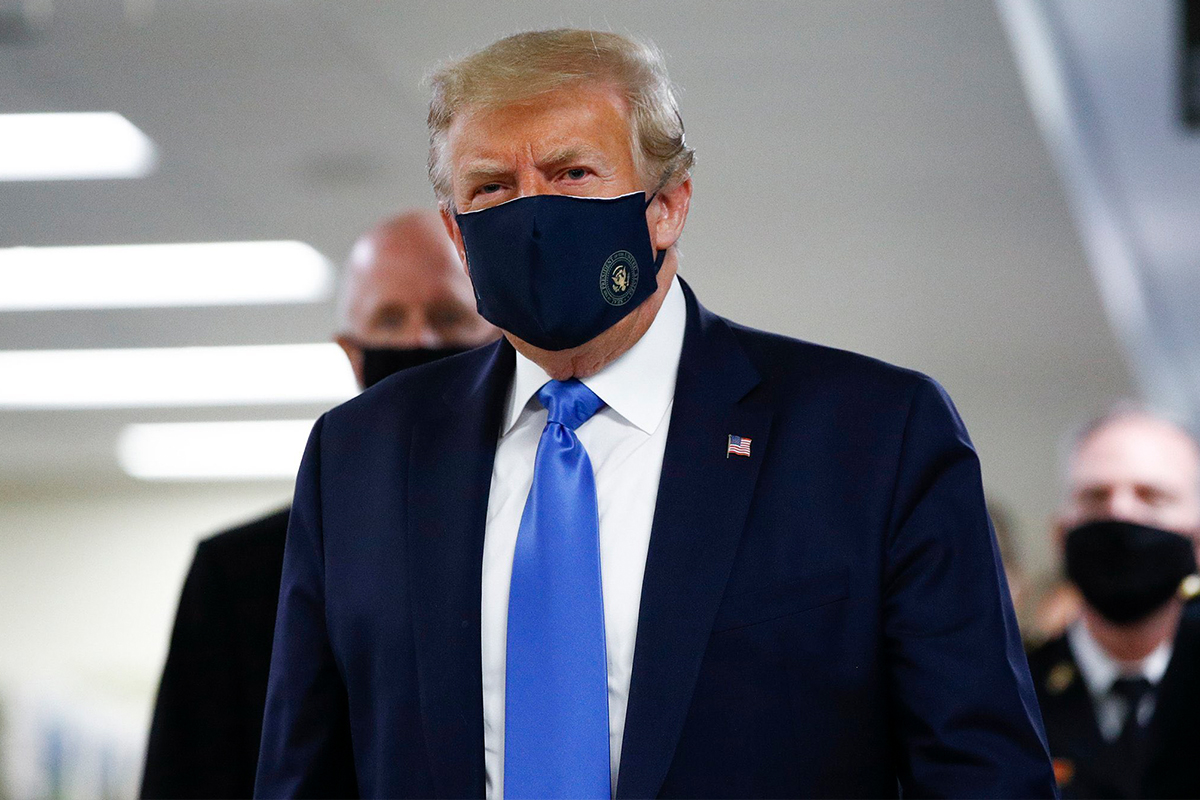 Trump, Pence Should Wear Masks to Set Example — CDC Director Redfield