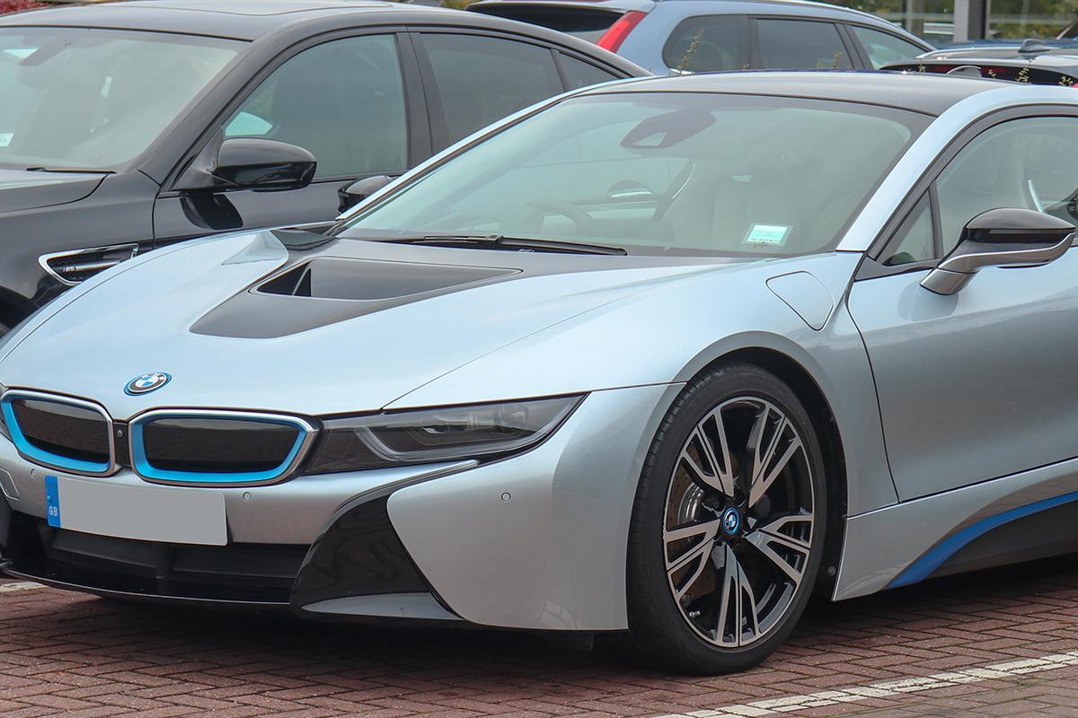 BMW i8, BMW iX3