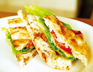 Organic Chicken Ball Sandwich with Turkish Bread (1/2 size $8、full size $11)