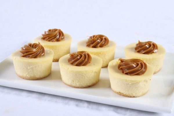 Baby Baked Cheesecakes Caramel